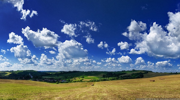 Sky, Cloud and a Landscape - Hungarian Skies Wallpaper Set