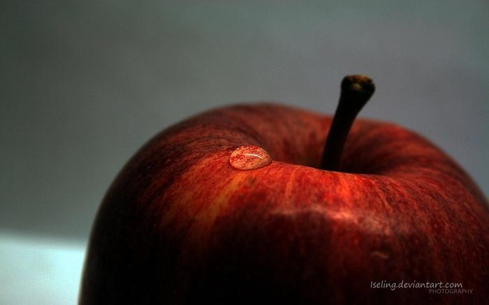 Waterdrop and Apple Wallpaper