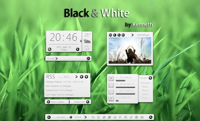 Black and White Clock Widget