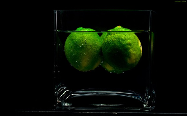 Floating Limes Wallpaper