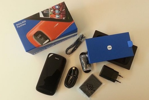 Unboxing Nokia 808 Pure View