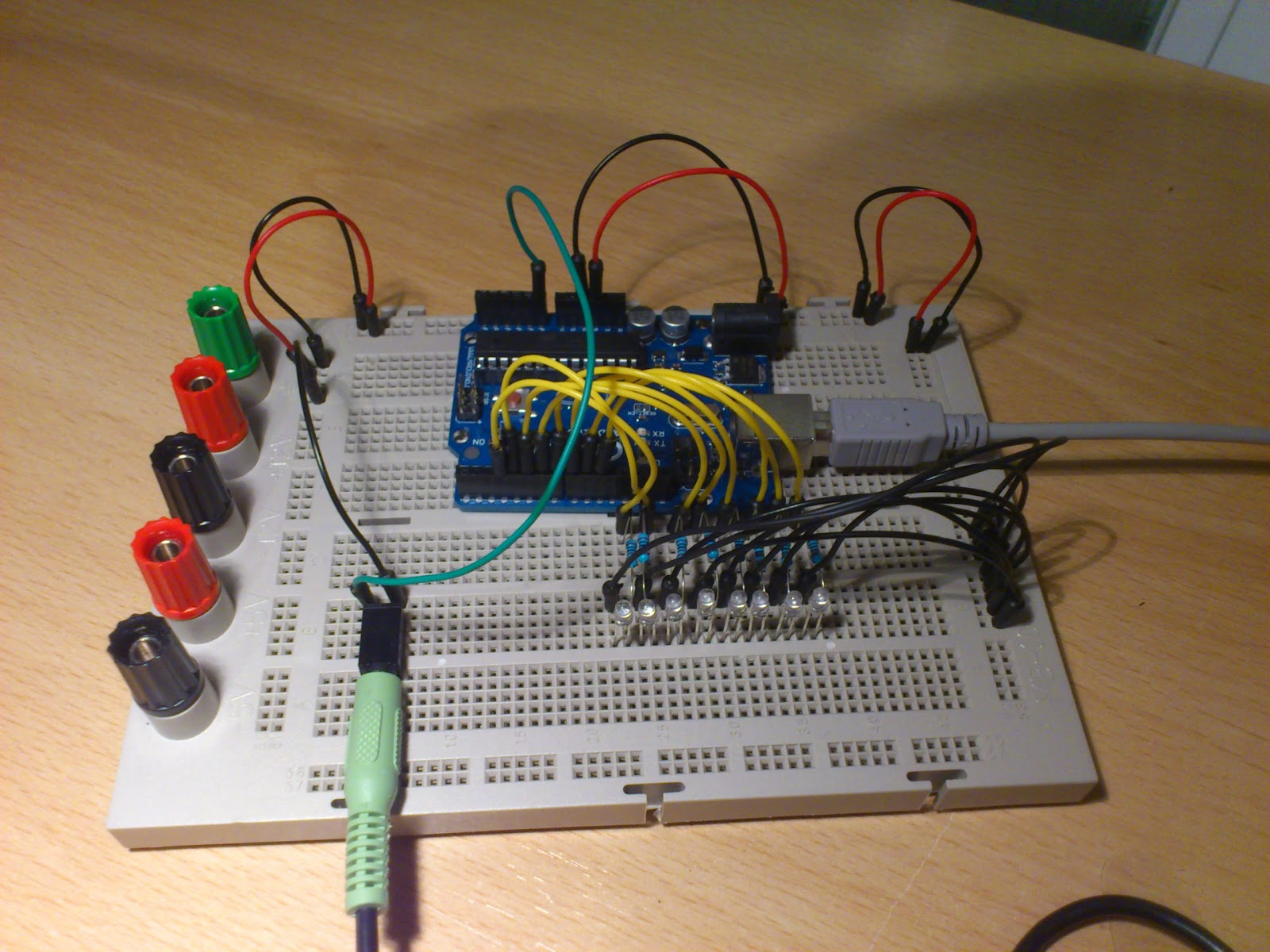 Arduino Simple Music Analyzer VU Meter From Stereo Input